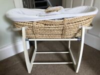 Mamas and Papas mosses basket with rocking stand