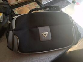 Antler Travel bag ( weekender ) with adjustable pull out handle , HARDLY USED