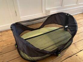 Fold up travel bassinet / cot for babies