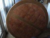 FOR SALE VERY GOOD CONDITION ROUND TABLE