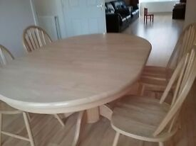 DINING TABLE AND 4 CHAIRS, NATURAL WOODEN IN GOOD CONDITION