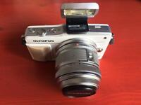 Olympus Pen E-PM2 Mini - White
