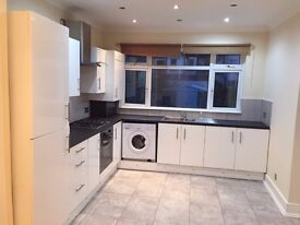 4 bedroom SPACIOUS House¦ Close to Eastham station¦ AVAILABLE NOW¦ A MUST VIEW