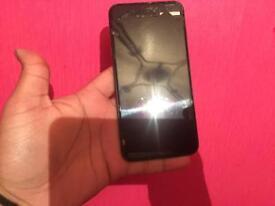 IPhone 7 Plus - 32gb - unlocked cracked screen