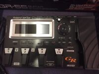 Roland Gr-55 Guitar Synthesizer pedal with pickup