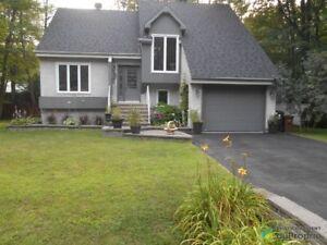438 800$ - Maison 2 étages à vendre à Lorraine