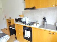 Studio flat in West Cromwell Road, Earls Court, London SW5