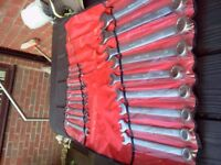 SNAP ON BLUEPOINT 19pc METRIC COMBINATION SPANNER SET 7mm TO 32mm EXLLENT CONDITION.