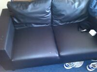 2 seater black sofa in excellent confition