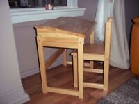 Kids desk and chair great wee item!!!!!