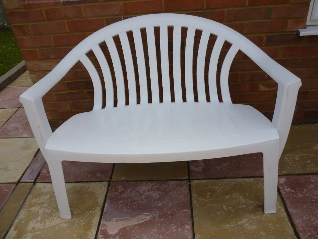 Quality Solid White Plastic Two Seater Bench Has A Lovely