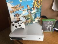 Xbox 1 6 months old limited edition 2 controls games