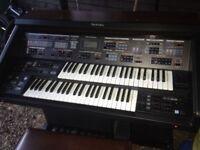 A Technics organ SX E70