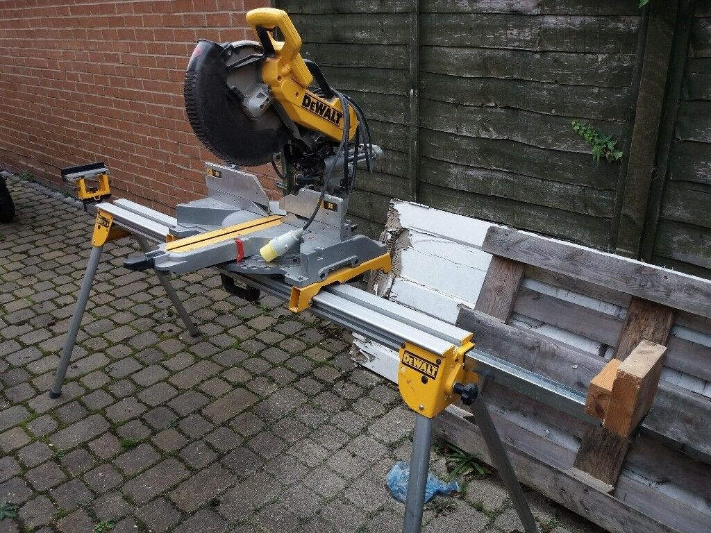 DW 718 LX compound mitresaw with stand