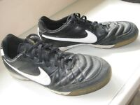 NIKE TIEMPO TRAINERS - SIZE 10 - (Kirkby in Ashfield)