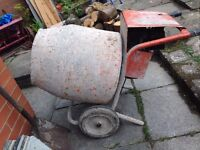 PETROL Cement Mixer Belle 3hp Briggs & Stratton. Working Order - with free shovel Macclesfield area.