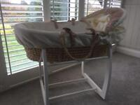 Mamas & Papas Moses basket and rocking stand