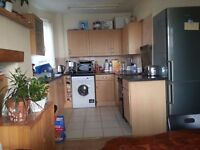 Small Furnished Single room In Finchley Central