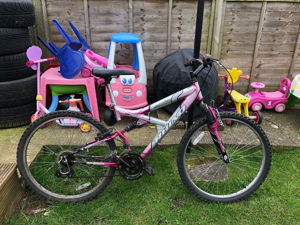 Lady's/girls bike - 17 inch frame - Headington
