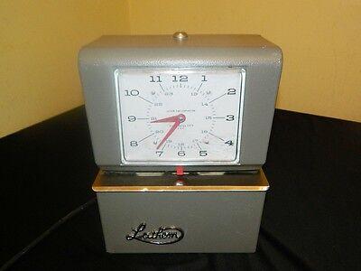Lathem 4021 Heavy Duty Automatic Print Time Clock No Key Needs Ribbon Please Rea