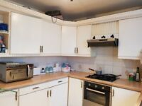 2 bed in straford with a garden-