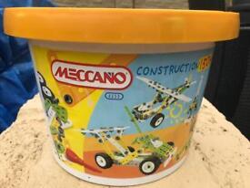 Meccano construction