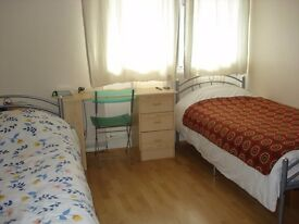 LARGE TWIN ROOM FOR 2 FRIENDS AVAIL IN EAST ACTON