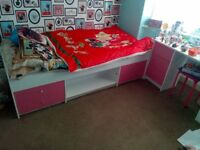 Girls/kids single bed with drawers