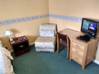 Mon-to-Thurs Let, Double Bedroom, Bills Incl, Shower, Off Str Parking, WiFi Fibre, Tube Close By