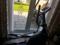 Elliptical trainer x6100