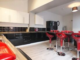 **Double Room Available £300 ALL BILLS INCLUDED**