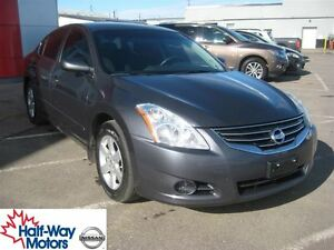 2012 Nissan Altima 2.5 S (CVT) | Economical!