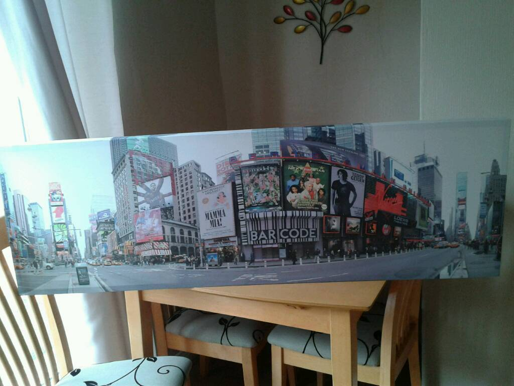 New York canvas excellent condition