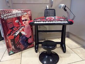 Childrens Keyboard, Stool and Mic