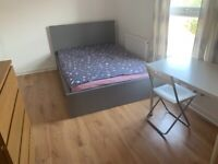 Huge Double Room with personal toilet(WC) near Upton Park Station