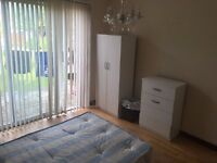NICE DOUBLE ROOM IN HARROW NEAR RAYNERS LANE TUBE PICCADILLY LINE. GARDEN. ALL BILLS INCLUDED.