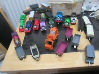 HUGE AMOUNT OF THOMAS THE TANK ENGINE 10 ENGINES LOTS OF TRAILERS AND ACCESS IDEAL XMAS PRESENT VGC