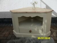 **SOLID PINE TV TABLE - RECENTLY RESTORED IN SHABBY CHIC STYLE**