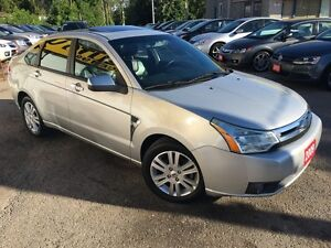 2009 Ford Focus SEL/AUTO/LEATHER/SUNROOF/4-CYLINDER