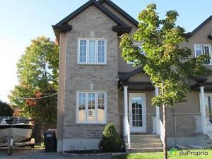 216 000$ - Jumelé à vendre à Gatineau (Buckingham) Gatineau Ottawa / Gatineau Area image 1