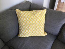 Yellow NEXT geometric cushion