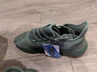 Adidas tubular size 7.5 EU 41