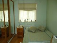 Gorgeous ensuite fully furnished room in Isleworth. Great transport links: tube, bus, british rail