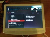TV with dvd and free view ( no remote control and stand) 1 hdmi entrance