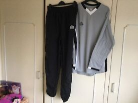 Jogging bottoms and matching long sleeve top.Admiral make Brand new
