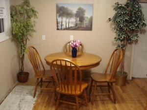 Beautiful Oak Table Set