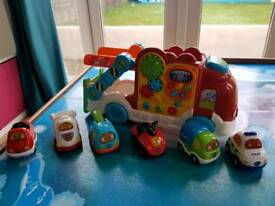 Toot toot drivers car carrier with six cars