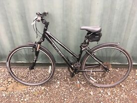 Trek 7100 Women's Hybrid Bike for sale. Excellent condition.