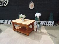 SOLID PINE FARMHOUSE COFFEE TABLE PROPER CHUNKY ONE EXTREMELY HEAVY TABLE IN EXCELLENT CONDITION