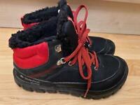 Quechua waterproof hike boots size 3